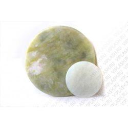 Нефритовый камень большой